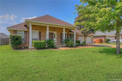 Golden Meadows Single Family Home For Sale: 5826 Bayou Drive