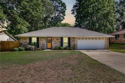 Haughton Single Family Home For Sale: 111 Casa