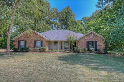 Dogwood Park Single Family Home For Sale: 3320 Trailview Circle
