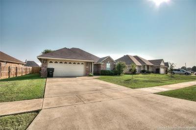 Golden Meadows Single Family Home For Sale: 6005 Hollyhock Lane