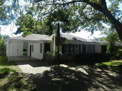 Single Family Home For Sale: 1821 Bryan Place