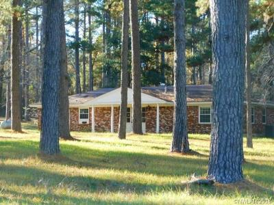 Mansfield Single Family Home For Sale: 130 Holly Hill Drive