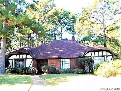 Spring Lake Estates Single Family Home For Sale: 562 Dunmoreland Drive