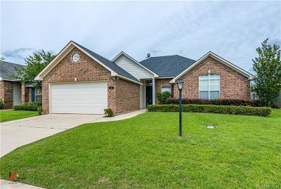 Kings Pointe Single Family Home For Sale: 9811 Pander Lane