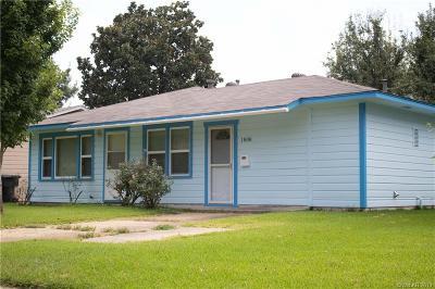 Single Family Home For Sale: 1808 Amhurst