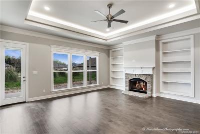 Shreveport Single Family Home For Sale: 9804 Shadybrooke Drive