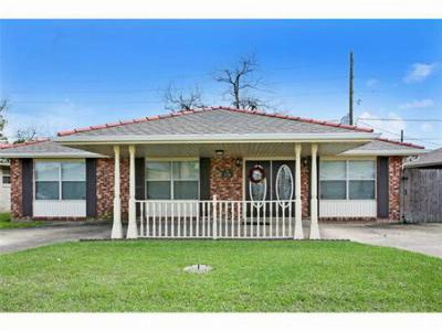 Single Family Home Sold: 2701 Creely Drive
