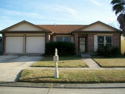 Harvey LA Single Family Home For Sale: $54,900