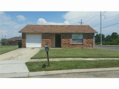 New Orleans Single Family Home For Sale: 5101 Wentworth Drive