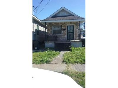 Single Family Home For Sale: 2433 Touro Street