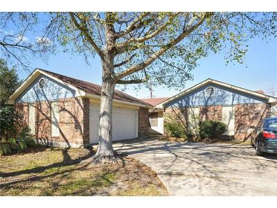 Harvey Single Family Home For Sale: 1804 Hampton Drive