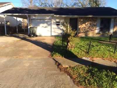 Single Family Home Pending Continue to Show: 3300 Mansfield Avenue