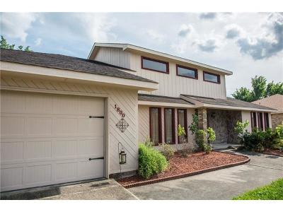 Harvey Single Family Home For Sale: 1800 Lake Salvador Drive
