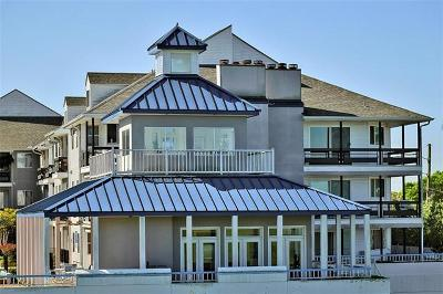 Metairie Condo Pending Continue to Show: 420 Metairie Hammond Highway #328