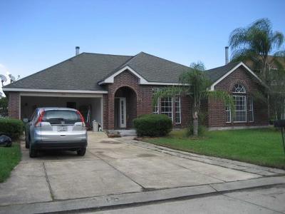 Harvey Single Family Home For Sale: 21 Lake Powell Court