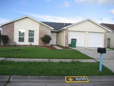 Gretna Single Family Home For Sale: 1005 Fairfax Drive