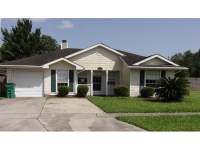 Westwego Single Family Home For Sale: 725 Dandelion Drive