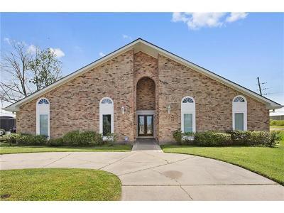 Kenner Single Family Home For Sale: 19 Saint John Drive