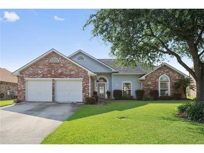 Gretna Single Family Home Pending Continue to Show: 3637 Lake Lynn Drive
