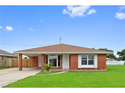 Arabi Single Family Home For Sale: 209 Bear Drive