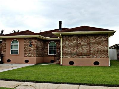 Kenner Single Family Home For Sale: 3249 Castle Drive