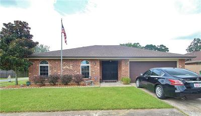 River Ridge, Harahan Single Family Home For Sale: 10210 Stewart Place