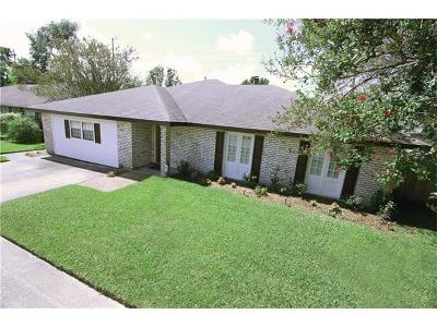 Kenner Single Family Home For Sale: 4025 Lake Trail Drive