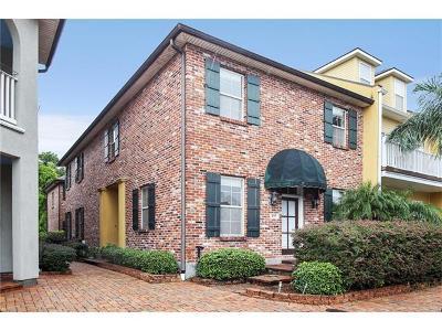 Harvey Townhouse For Sale: 2117 Hyde Park Avenue