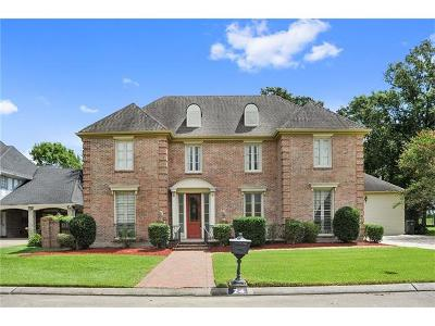 New Orleans Single Family Home For Sale: 24 Lakewood Estates Drive
