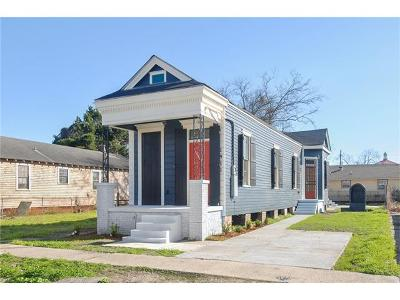 Single Family Home For Sale: 1911 Mandeville Street