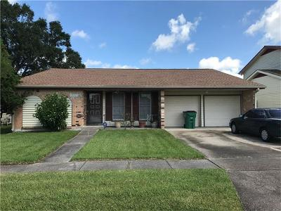 Harvey Single Family Home For Sale: 3804 S Deerwood Drive