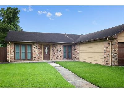 Harvey Single Family Home For Sale: 2404 Woodmere Boulevard