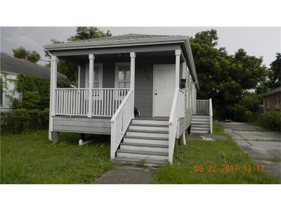 Single Family Home For Sale: 2320 Mazant Street