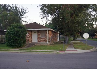 Single Family Home Pending Continue to Show: 1301 31st Street