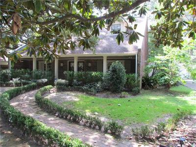 Single Family Home For Sale: 320 Moss Lane