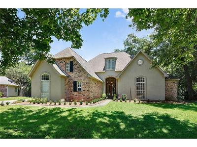 Single Family Home For Sale: 14 Laurel Oak Drive
