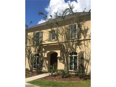 Single Family Home For Sale: 102 Oak Alley Street