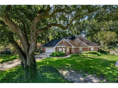 Single Family Home For Sale: 5 Colony Trail Drive