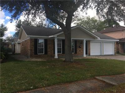 Gretna Single Family Home Pending Continue to Show: 154 Willowbrook Drive