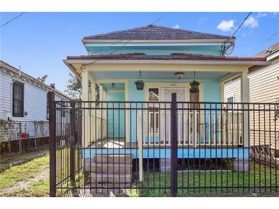 Single Family Home For Sale: 1910 Mandeville Street