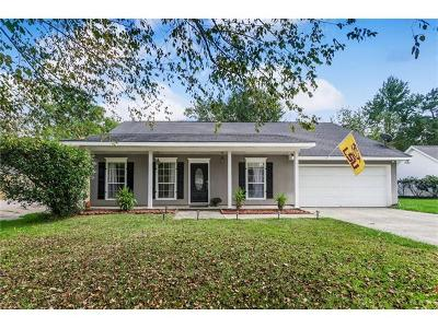 Single Family Home For Sale: 435 Colonial Court