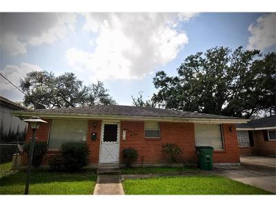 Single Family Home Pending Continue to Show: 4412 Temple Street