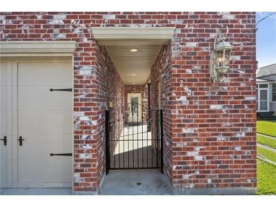 Metairie Townhouse For Sale: 243 Focis Street