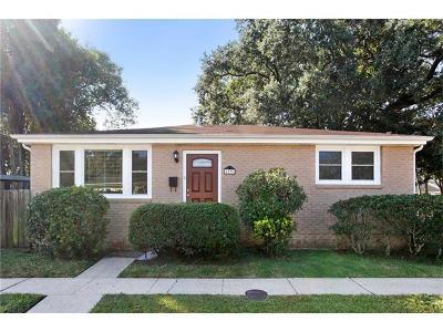 Jefferson Single Family Home Pending Continue to Show: 4226 Karen Avenue