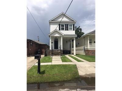 New Orleans Single Family Home For Sale: 6566 Avenue A Avenue
