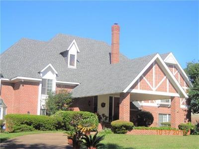 Kenner Single Family Home For Sale: 65 Chateau Magdelaine Drive