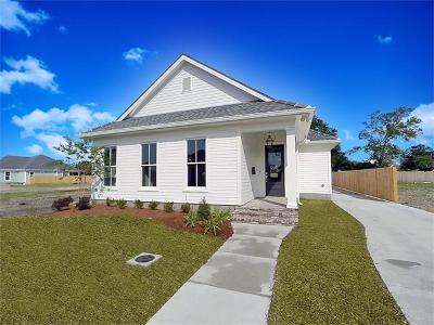 Jefferson Single Family Home For Sale: 709 Rio Vista Avenue