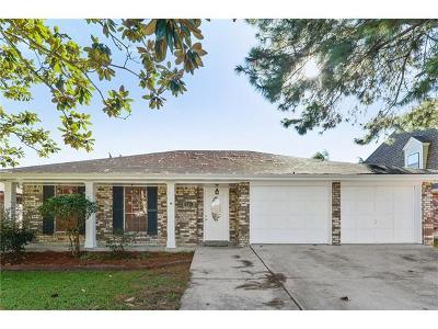 Kenner Single Family Home For Sale: 933 Champagne Drive
