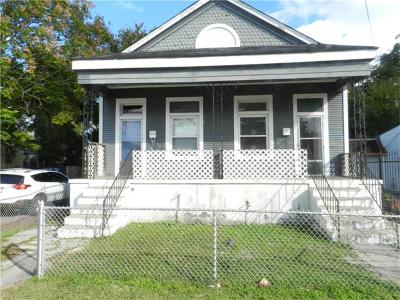 Algiers Multi Family Home Pending Continue to Show: 1200 Sumner Street