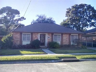 Metairie Single Family Home For Sale: 1432 Poinsettia Drive